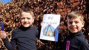 Broertjes van 8 en 6 jaar maken prentenboek om corona bespreekbaar te maken bij leeftijdsgenootjes