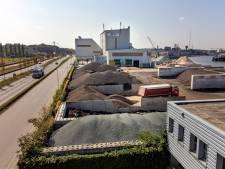 Via via horen buren dat asfaltfabriek te veel kankerverwekkende stoffen uitstoot: 'Gemiste kans om vertrouwen te herstellen'