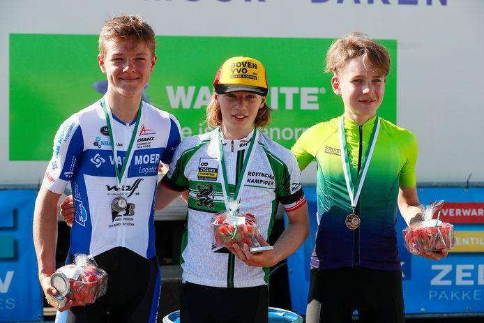 Op het PK voor 14-jarige aspiranten in Beveren-Waas verdienden Toon De Zutter, kampioen Thibaut Van Damme en Jul Hélin een medaille en een bakje aardbeien.