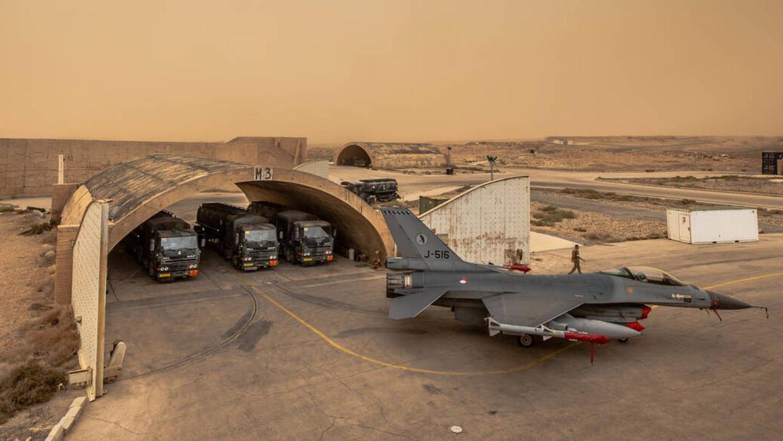 Bij een aanval van een Nederlandse F-16 op een autobommenfabriek van IS in Irak zijn in 2015 zeker zeventig burgers gedood. Door het bombardement werd een complete wijk in Hawija verwoest. Beeld Defensie