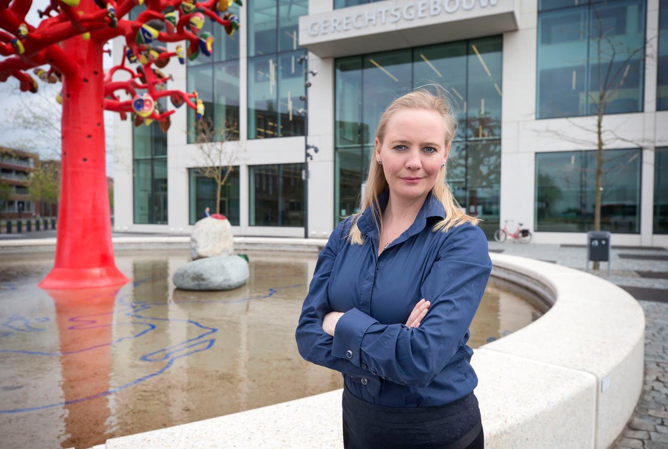 Advocaat Nicolette Heijkant voor de rechtbank in Breda