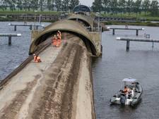 Ramspol bij Kampen dicht om hoogwater