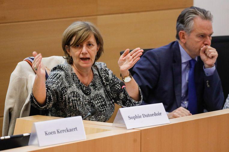 Sophie Dutordoir en Luc Lallemand vanmiddag in de Kamercommissie Infrastructuur.