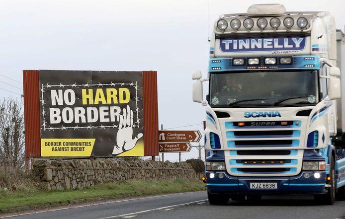 Archiefbeeld. De EU vreest dat Londen het Ierse protocol, dat moet vermijden dat er grenscontroles worden uitgevoerd tussen Ierland en Noord-Ierland, met de voeten wil treden.