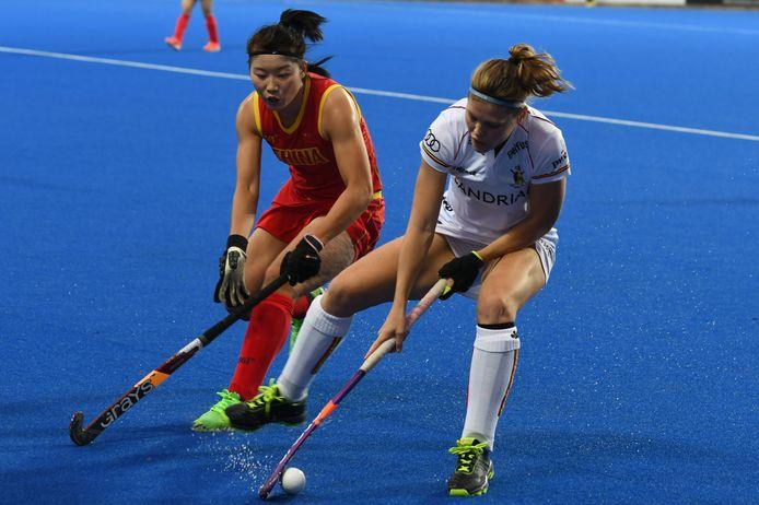 Pauline Leclef in actie tegen China tijdens een kwalificatiewedstrijd voor de inmiddels uitgestelde Olympische Spelen.