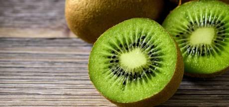 Keukenheks: zo snij je je kiwi gemakkelijk in nette stukjes