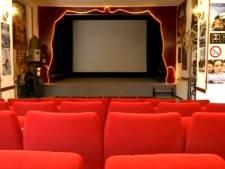 À 90 ans, il s'occupe du plus petit cinéma de France