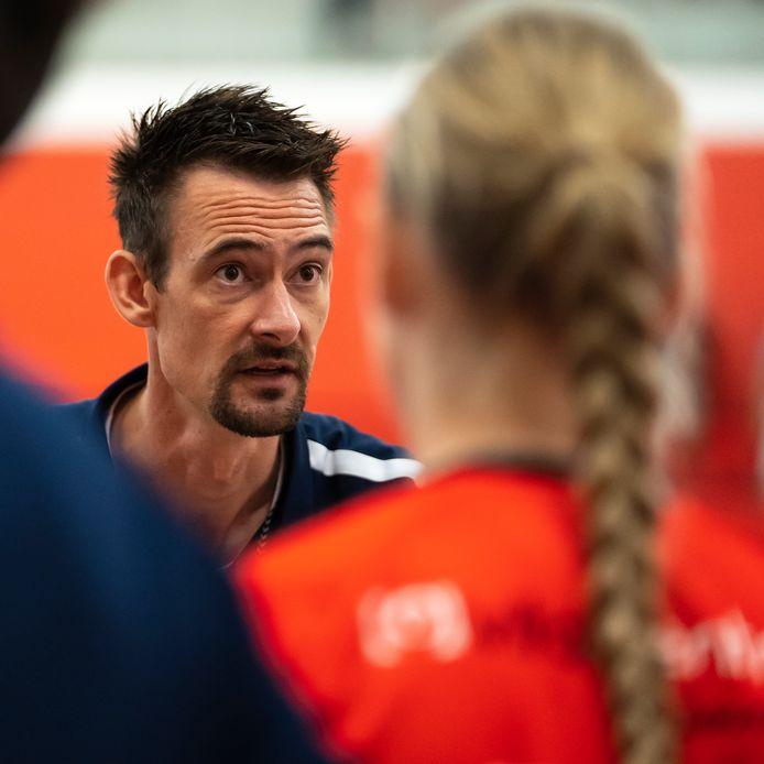 Lars Hoogeveen, de nieuwe coach van de handbalsters van Kwiek.