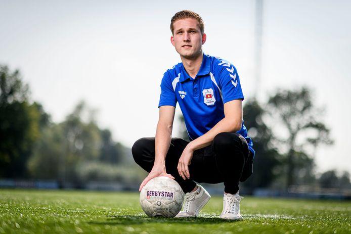 """Mathijs Pieper zette LSV in de eerste competitiewedstrijd nog wel op voorsprong tegen De Tukkers, maar uiteindelijk ging de ploeg hard onderuit: 7-1. """"Maar dat was ingecalculeerd. Die ploeg is veel te goed voor ons."""""""
