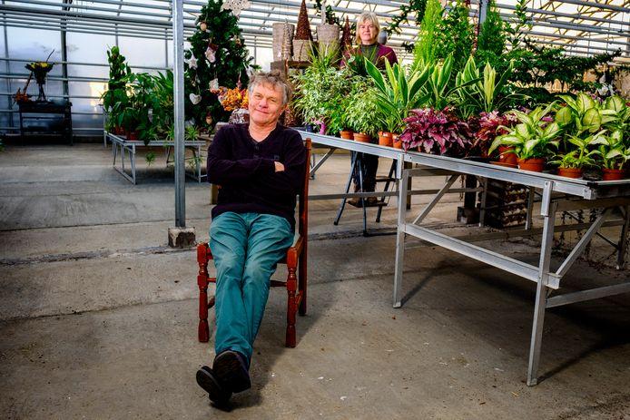 Henry van Tol gaat zijn Tuincentrum Eldorado anders runnen. De winkel sluit, maar de kwekerij blijft.