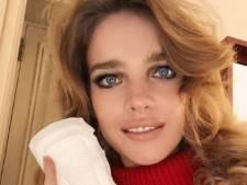 Pourquoi Natalia Vodianova pose avec sa serviette hygiénique