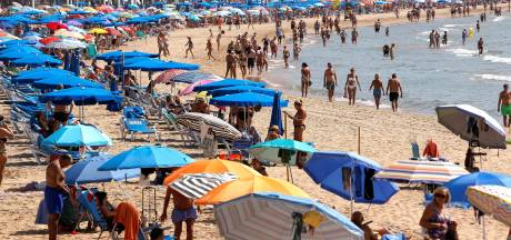 Fikse boete voor Britten die in coronatijd toch op vakantie gaan