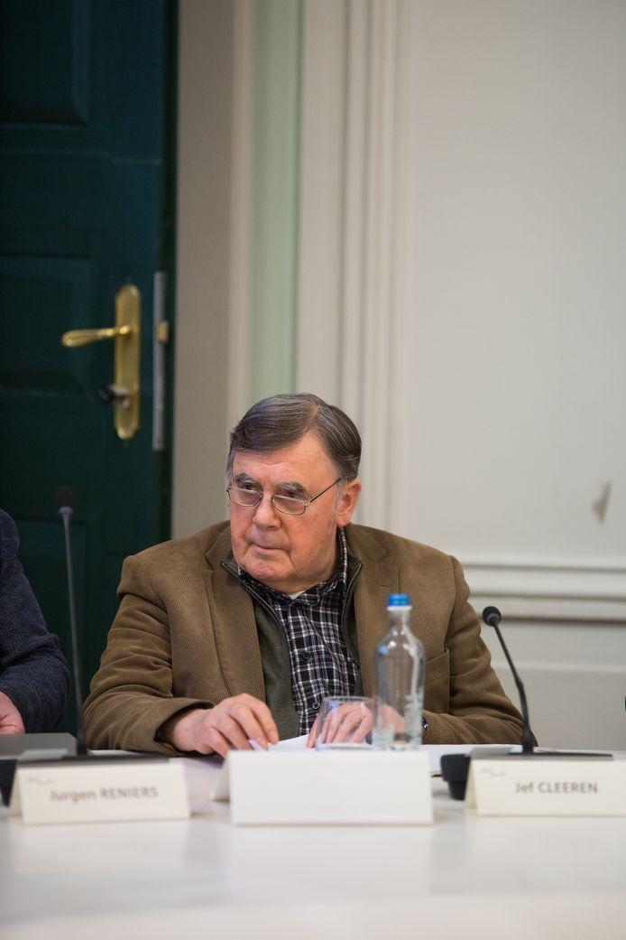 Archiefbeeld van voor de coronacrisis van Jef Cleeren als gemeenteraadslid, intussen al 50 jaar lang.