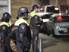 ME ingezet bij ongeregeldheden in Scheveningen, zwaar vuurwerk naar politiewagen gegooid