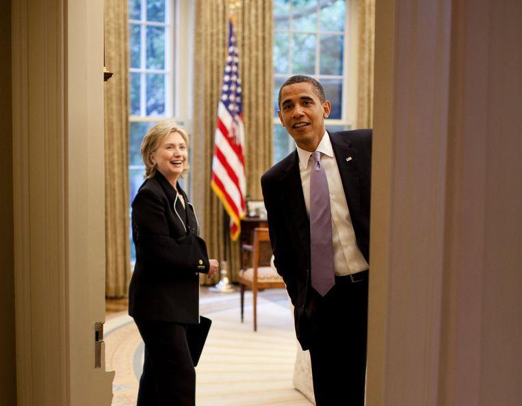 Een bespreking met Hillary Clinton in de Oval Office. Beeld Pete Souza / The White House