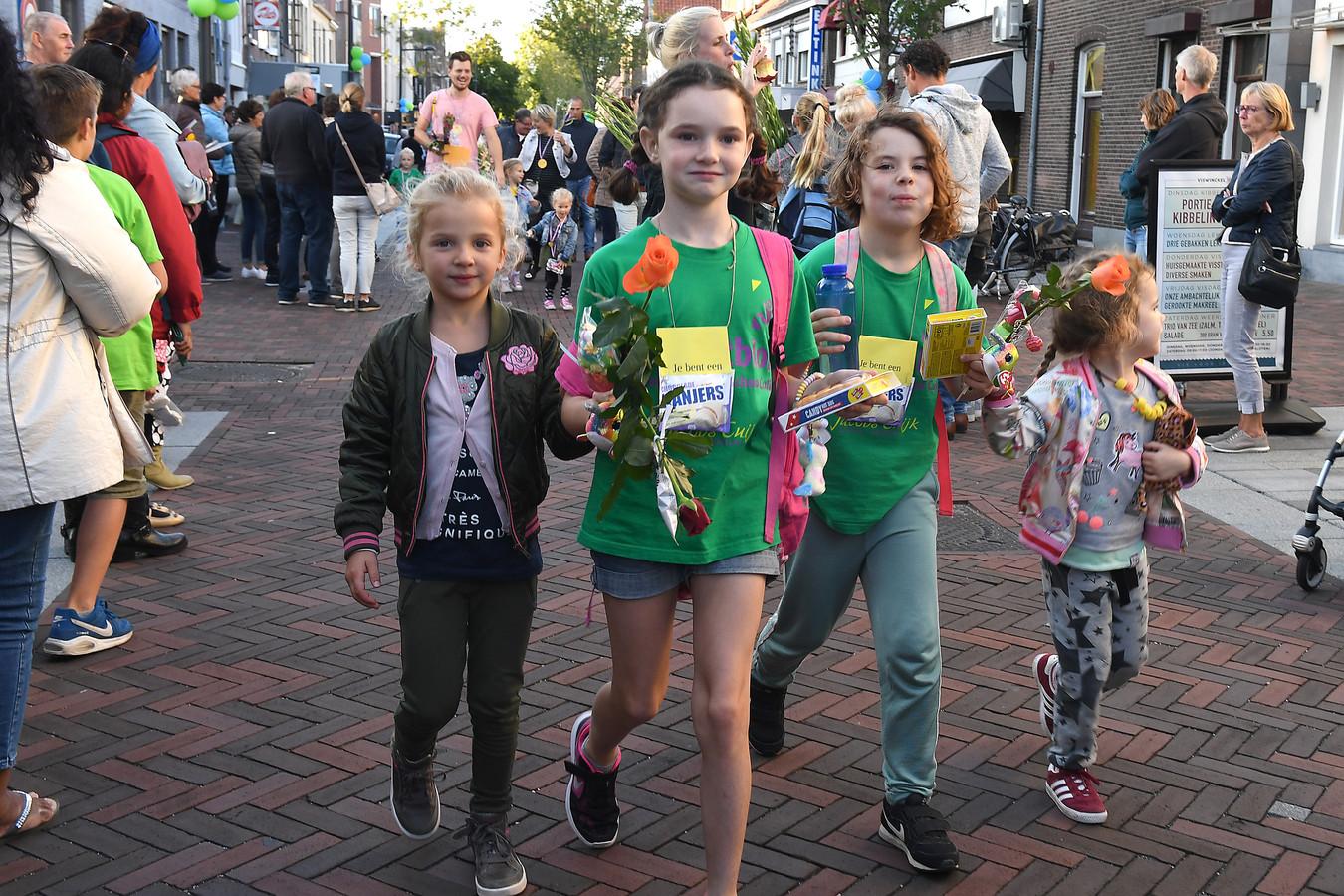 De laatste avond van de avondvierdaagse ging richting Sint Agatha en Padbroek.