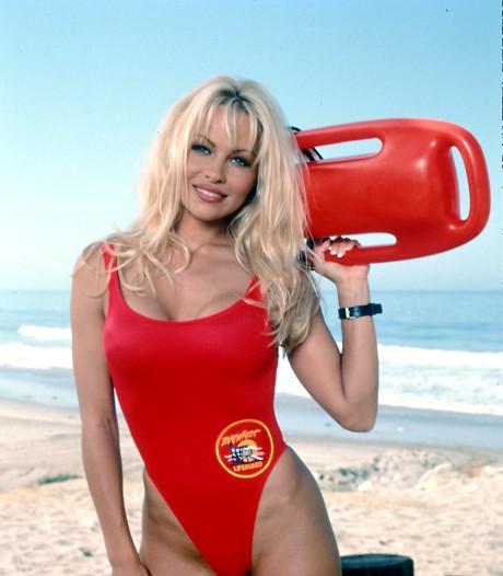 Pamela Anderson verrast haar dates: Ik bespring hen met mijn Baywatch-badpak aan
