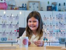Gigi (9) verloor haar vader aan MS en verkoopt nu zelfgemaakte oorbellen: 'Ik wil iets doen tegen MS'