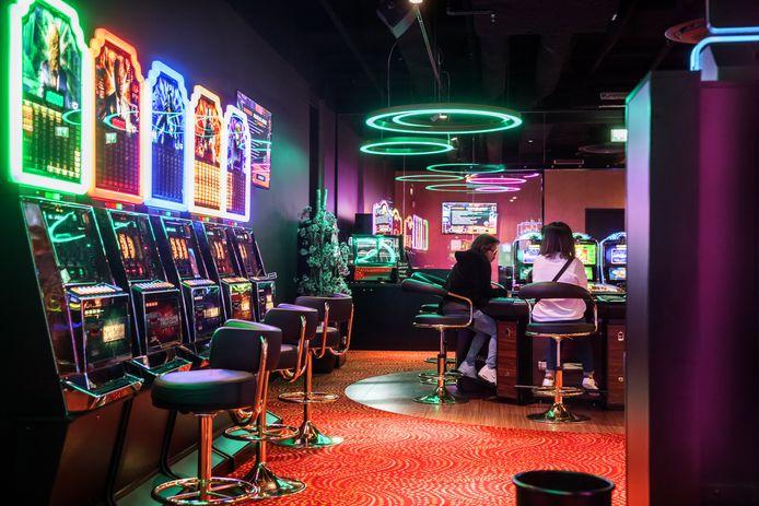 Casino Pierre de Jonge aan het Burchtplein in Etten-Leur