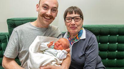 """Oma, papa en kleinzoon allemaal geboren op 16 mei: """"En dan te denken dat Ólafur uitgerekend was voor 25 mei, de verjaardag van zijn moeder"""""""