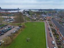 Omwonenden woedend over nieuw plan voor parkje bij station Kampen