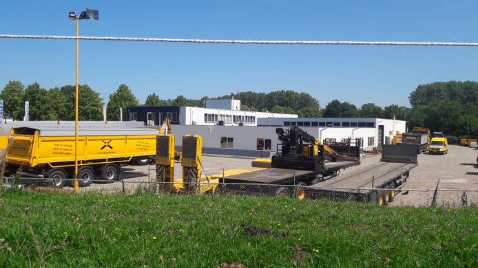 Het terrein van GSNED aan de Rooseveltlaan in Terneuzen, aan de rand van het buurtschap Driewegen.