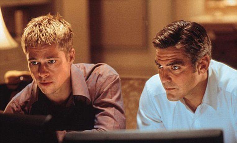 Brad Pitt & George Clooney in 'Ocean's Eleven'