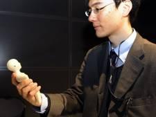 Un GSM en forme d'être humain pour mieux communiquer