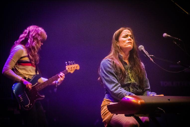 Bonnie Bishop (rechts). Beeld Ben Houdijk