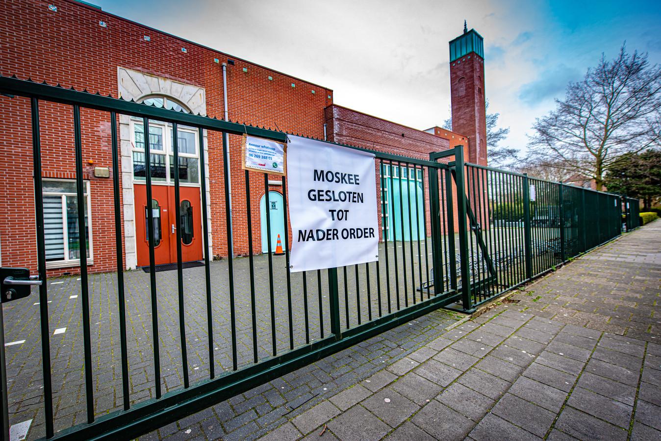 Moskeeën in Den Haag en omliggende gemeenten hebben hun deuren gesloten, zoals moskee Annour in Den Haag.