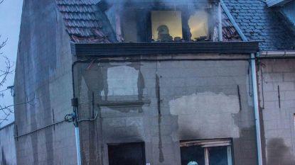 Woning in Processiestraat brandt uit
