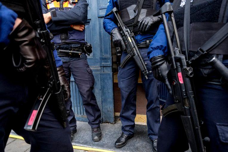 Op 15 januari 2015 stierven twee twintigers die op het punt stonden een aanslag te plegen in de Luikse stad Verviers, tijdens  een vuurgevecht met de speciale eenheden van de politie. Een derde betrokkene raakte gewond. Er is allicht geen link met de arrestatie van vorige maand. (archieffoto) Beeld BELGA