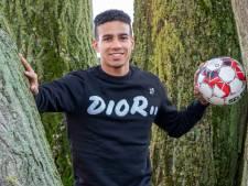 Mitchell de Nooijer gaat weer op avontuur bij de buren: 'Voetballend kan ik iets toevoegen'