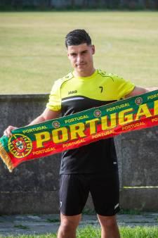 Zwarte Leeuw heeft zijn eigen Portugese nummer 7: 'Als we Oranje loten, wordt het ruzie thuis'