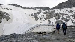 Op deze Italiaanse alpengletsjer zie je de opwarming van de aarde niet alleen – je hoort het zelfs