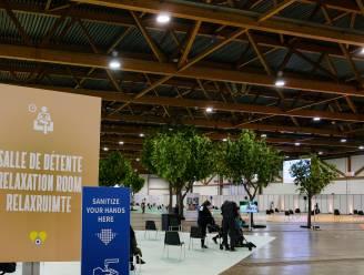 """Brusselse N-VA hekelt gebrek aan Nederlandstalige uitleg in vaccinatiecentrum op de Heizel: """"Onaanvaardbaar en levensgevaarlijk"""""""