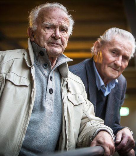 Radeloze Joop (81): Soms loopt urine langs haar enkels