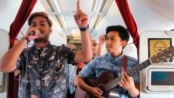 Indonesische vliegmaatschappij zorgt voor origineel entertainment aan boord: live muziek