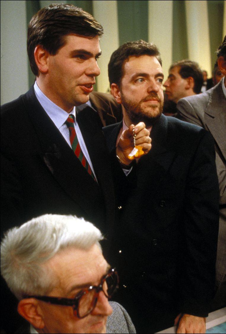 Filip Dewinter en Gerolf Annemans kunnen de uitslag van de verkiezingen in 1991 zelf amper geloven. Beeld Photo News