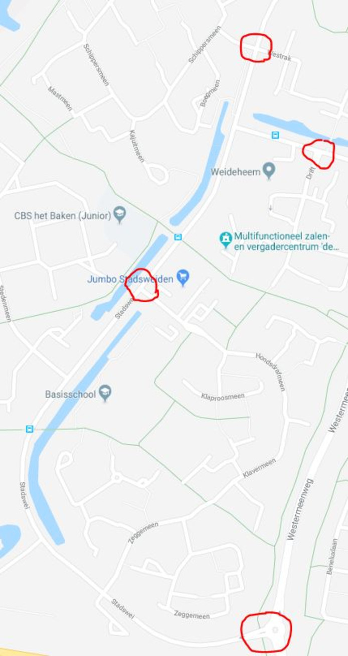 Op vier kruisingen in de wijk Stadsweiden krijgen fietsers en voetgangers meer ruimte.