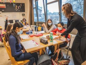 """Plaatstekort in de middelbare scholen loopt stevig terug, geen 4.000 maar slechts 600 stoelen te weinig: """"Minder inschrijvingen, meer capaciteit"""""""