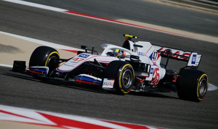 Mick Schumacher tijdens de testritten op het circuit van Bahrein.