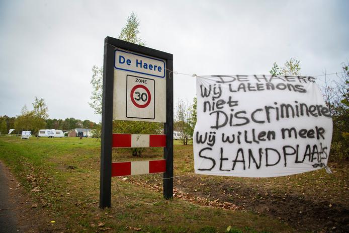 Bewoners van de Haere vroegen vorig jaar met spandoeken aandacht voor meer standplaatsen.