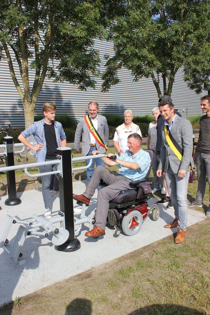 Ook voor mensen in een rolstoel zijn heel wat toestellen geschikt.