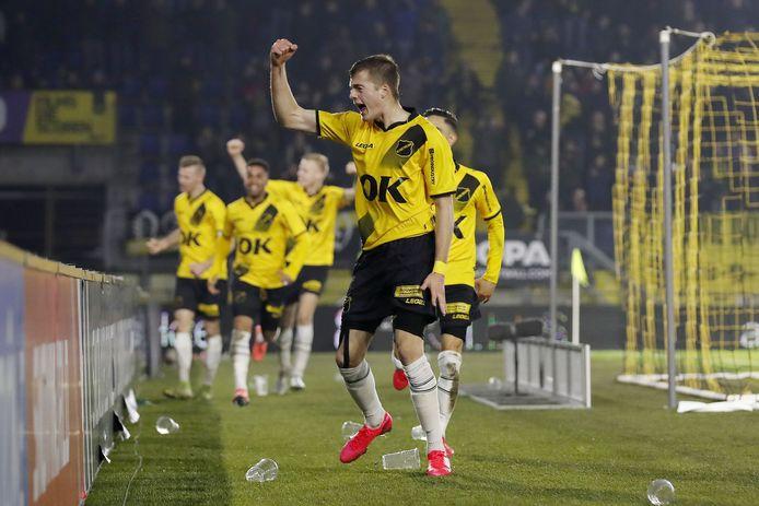 Ivan Ilic viert de 2-0.