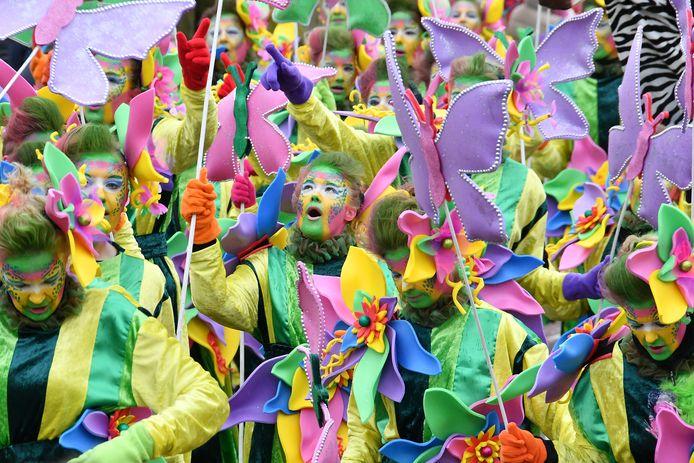 Carnaval, een van de feesten die de mensen in Dinkelland gelukkig maakt.