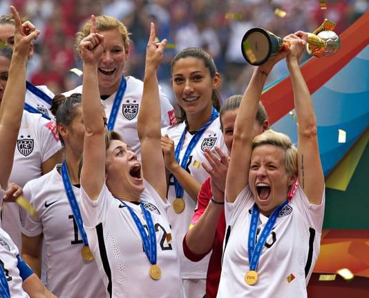 De Amerikaanse vrouwen vieren de wereldtitel van 2015.