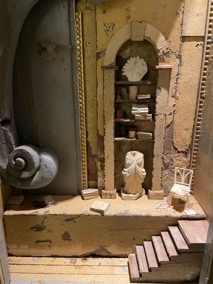 De trapjes die Peter Gabriëlse in zijn ouderlijk huis had komen steeds weer terug in zijn kijkkasten.