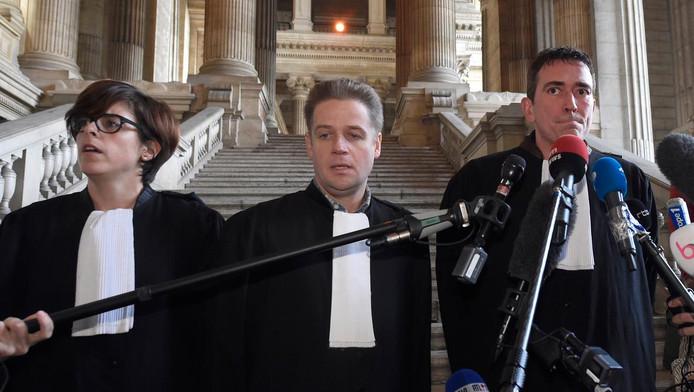 Les trois avocats de Mehdi Nemmouche: Me Virginie Taelman, Me Sébastien Courtoy et Me Henri Laquay.
