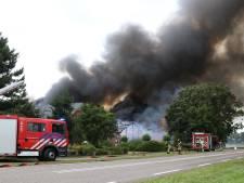 Meerdere schuren tot de grond toe afgebrand in Rutten: rookpluimen in wijde omtrek te zien
